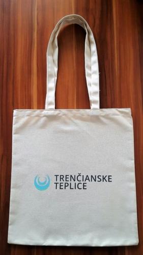 Mesto Trenčianske Teplicem 38 x 42 cm, dlhé uško